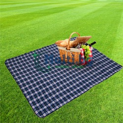 Постелка за пикник с водонепропусклива основа