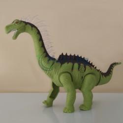 Динозавър снасящ яйца
